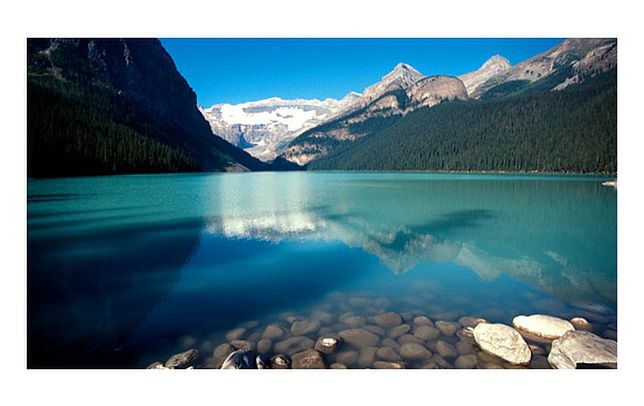 Wielkie Jezioro Niedźwiedzie. Kanada. Potęga natury