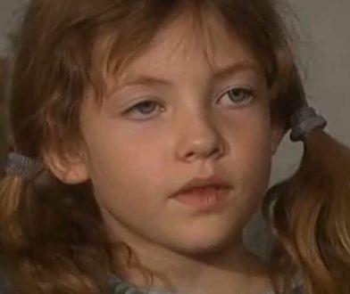 """Widzowie zapamiętali ją jako Kasię z """"Plebanii"""". Weronika Parys wyrosła na piękną kobietę"""