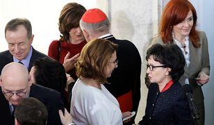 Politycy w Sejmie łapali się opłatkiem