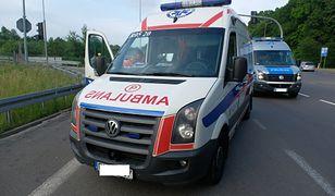 Dolnośląskie. Zderzenie trzech pojazdów. 7 osób rannych