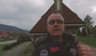 Proboszcz ściągnął dach z kościoła, sam jeździ porsche. Wierni wściekli
