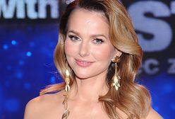 Paulina Sykut-Jeżyna w letniej sukience z falbankami. Ten model kosztuje mniej niż 250 złotych