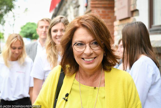 Małgorzata Kidawa-Błońska ma sporą kolekcję okularów. Stylistka gwiazd oceniła jej wybór