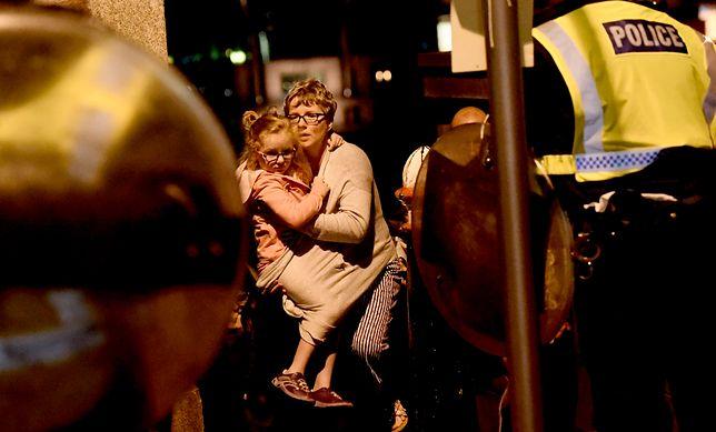 Dach nad głową i herbata. Tak Londyńczycy pomagają ofiarom zamachu