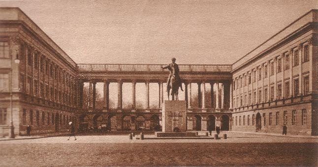 Pałac Saski w 1930 r. (Wikipedia)