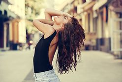 10 modnych fryzur z długich włosów - luźne upięcia, koki i warkocze