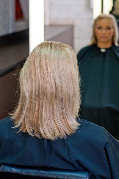 Elegancka i efektowna fryzura od święta