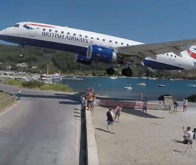 """Samolot """"musnął"""" turystów. Dla """"selfie"""" ryzykują życiem"""