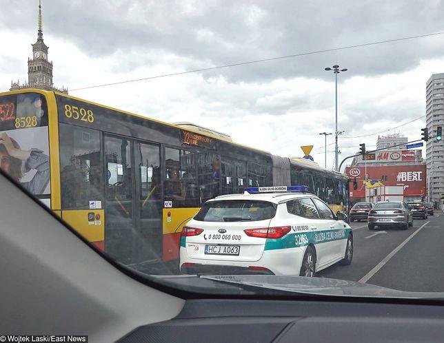 Warszawa, poniedziałkowe utrudnienia na drogach