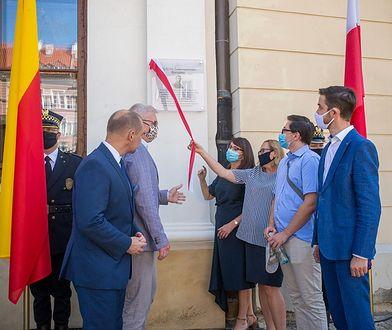 Warszawa. Uroczyście odsłonięto tablicę
