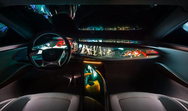 Opel Monza Concept z nowinkami multimedialnymi