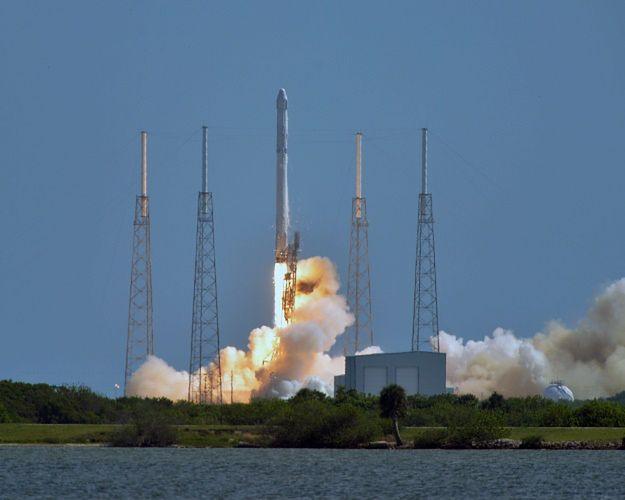 Amerykańska rakieta Falcon 9 wybuchła 2 minuty po starcie