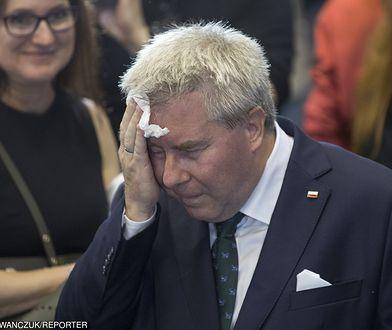 Ryszard Czarnecki nie miał łatwej nocy. W niedziele go nie było w Parlamencie Europejskim, w poniedziałek ma na to szansę