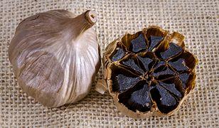 Czarny czosnek to jeden ze sfermentowanych produktów o super właściwościach.