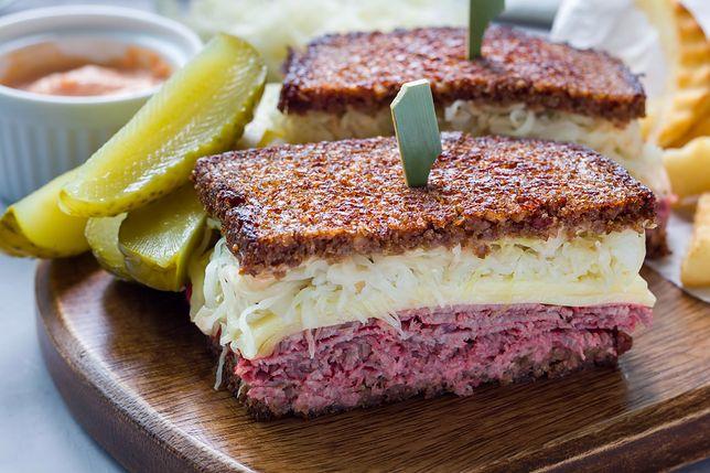 Reuben sandwich. Najpopularniejsza kanapka świata