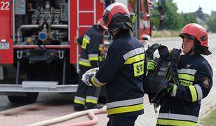 Nastolatkowie chcieli spalić zeszyt. Spłonęła murawa orlika w Mińsku Mazowieckim