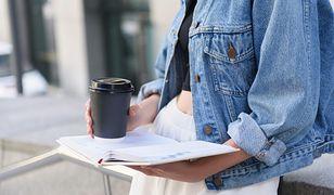 Klasyczne kroje i oryginalne modele - wybierz idealną kurtkę wiosenną dla siebie
