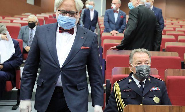 We wtorek opublikowaliśmy w Wirtualnej Polsce materiał pokazujący, jak poseł Wojciech Maksymowicz, zamiast pracować w szpitalu w Olsztynie, zajmował się polityką