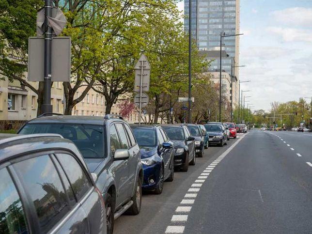 Warszawa. Samochody znikną z chodników