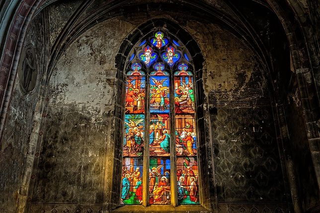 Nowe obostrzenia w czerwonej strefie nie ominęły kościołów