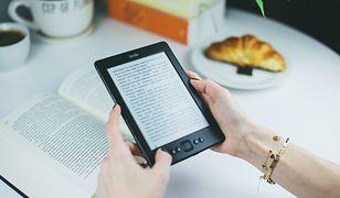 Na czym lepiej czytać ebooki: na czytniku czy tablecie?
