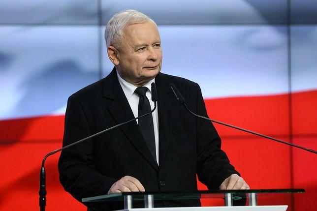 Zdjęcie Jarosława Kaczyńskiego. Kim jest tajemnicza kobieta z fotografii?