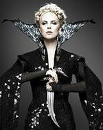 ''Łowca i Królowa Lodu'': Charlize Theron i Emily Blunt kontra Chris Hemsworth