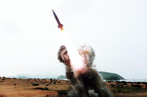 Korea Północna dokonuje rutynowo odpaleń rakiet