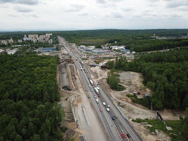 Katowice. Od wtorku inaczej pojedziemy przez skrzyżowanie ulic Pszczyńskiej (DK 86) z ul. 73 Pułku Piechoty (DK 81), ul. Kolistą i ul. Karolinki.