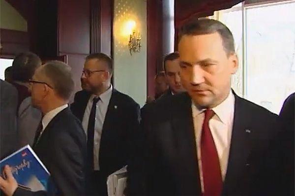 Radosław Sikorski do liderów opozycji: jeśli nie podpiszecie porozumienia, będziecie martwi