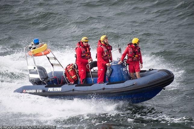 Ratownicy ruszyli na pomoc pasażerowi promu