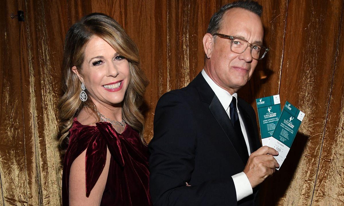 Tom Hanks i Rita Wilson na romantycznym spacerze