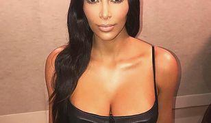 Kim Kardashian i jej seksowne krągłości. Celebrytka wciąż jest w niezłej formie