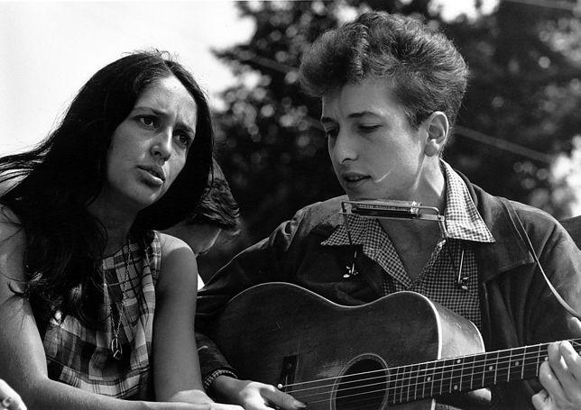 Bob Dylan w końcu odbierze Nobla! Chodzi o kasę?