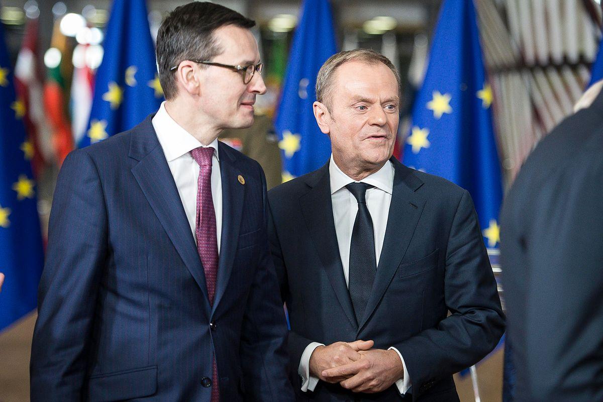 """Donald Tusk napisał o """"piekle"""". Premier Mateusz Morawiecki mu odpowiedział"""