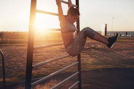 Ćwiczenia na drążku – efekty, mięśnie ramion, mięśnie pleców