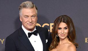 Alec i Hilaria Baldwin podczas rozdania nagród Emmy