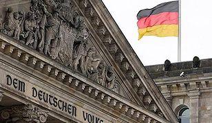 Niemiecka flaga na budynku Reichstagu