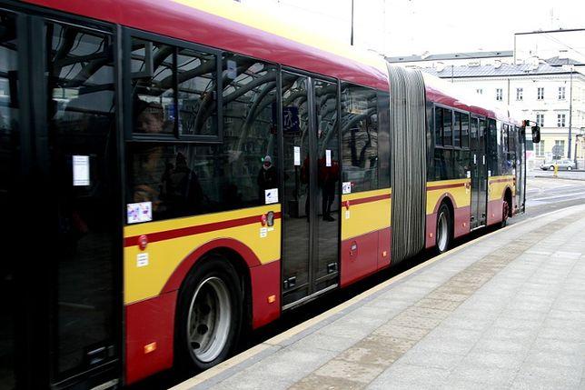 Zagubione dziecko w autobusie