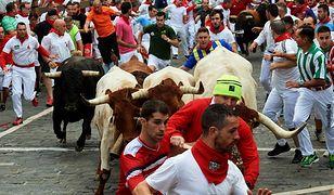 Pampeluna. Mężczyzna został ugodzony podczas gonitwy byków w Hiszpanii