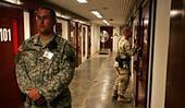 Najbardziej pożądani pisarze w Guantanamo? Wszyscy byle nie Obama