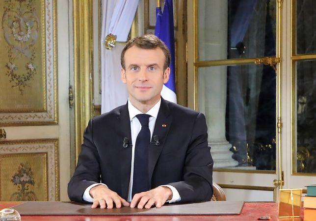 """Emmanuel Macron, prezydent Francji, podczas przemówienia nt. protestów """"żółtych kamizelek"""""""