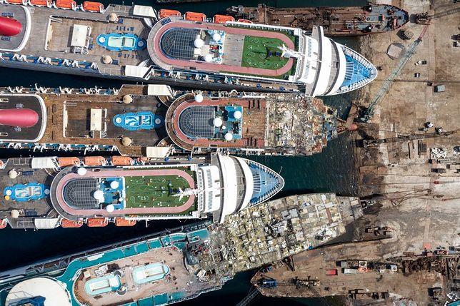 Luksusowe statki wycieczkowe trafiły na złom w porcie Aliaga w Turcji