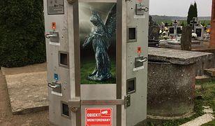 Automat z wkładami do zniczy w Polsce