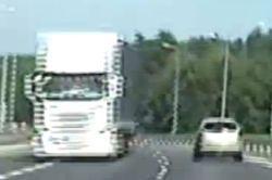 #dziejesiewmoto [423]: jechała pod prąd autostradą, ciężarówka niszczy nowy tunel w Krakowie i skutki złej decyzji urzędników