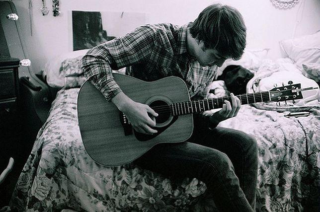 Grasz na gitarze i śpiewasz? Chcesz się zaprezentować?