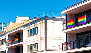 Na ambasadzie USA w Warszawie pojawiły się tęczowe flagi LGBT