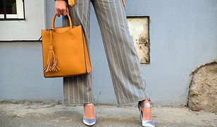 Szerokie spodnie to bardzo modny fason