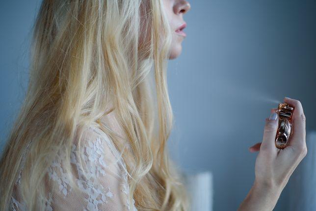 Upojny, ale lekki, a przy tym kobiecy - tak określa się idealny zapach perfum dla kobiety