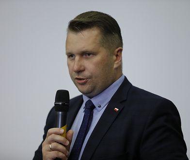 Powrót do szkół zostanie opóźniony? Minister Przemysław Czarnek nie rozwiał wątpliwości